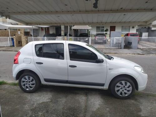 Foto do veículo Renault SANDERO Expression Hi-Flex 1.6 8V 5p 2009/2009 ID: 77191
