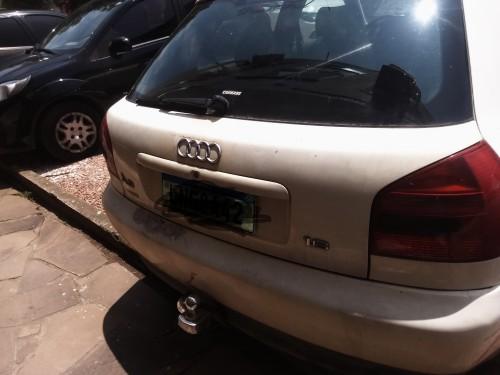 Foto do veículo Audi A3 1.6 3p 2000/2000 ID: 78704