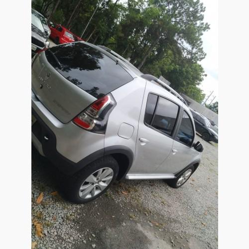 Foto do veículo Renault SANDERO STEP. Easy R H-Power 1.6 8V 2014/2014 ID: 80035