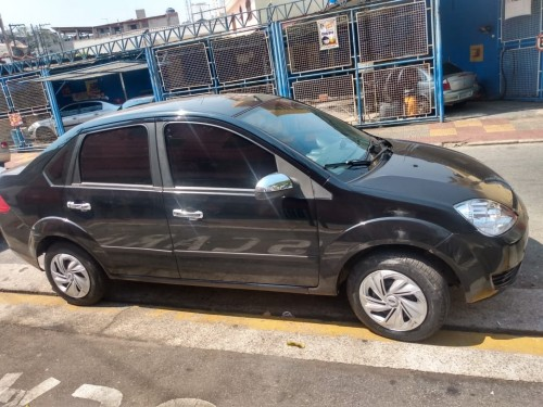 Ford Fiesta Sed. Personnalité 1.0 8V 4p 2006/2005